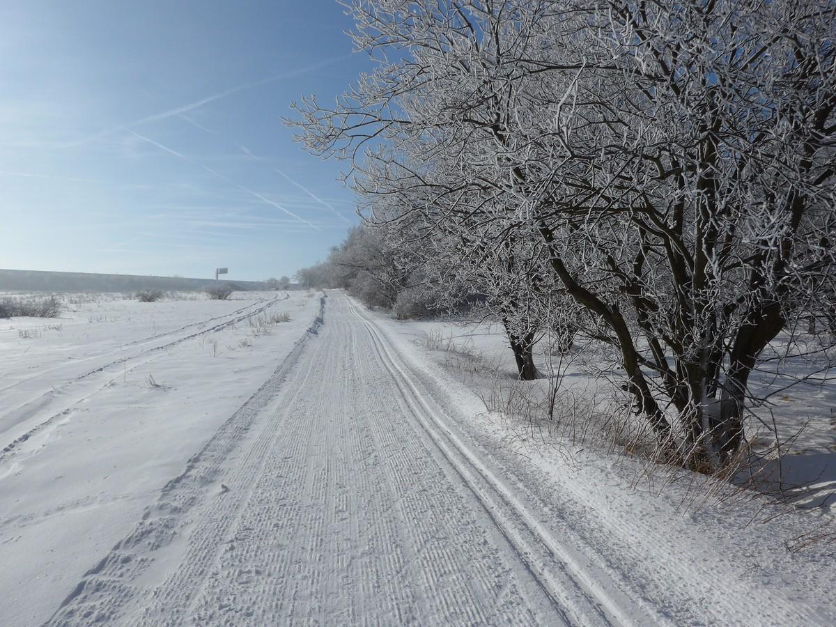 Skimagistrale nahe der Autobahnunterquerung