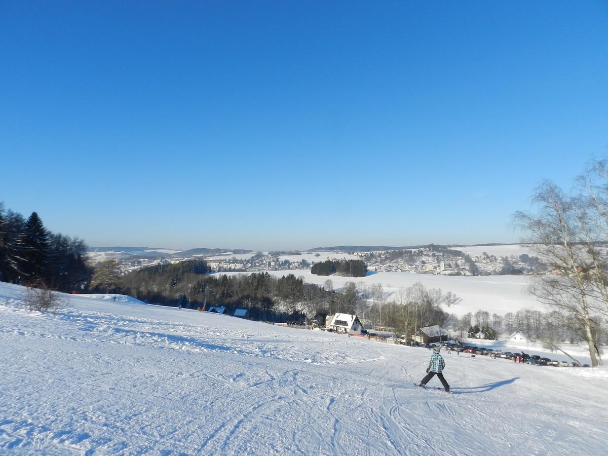 Skigebiet Lößnitz am Hirnschädel