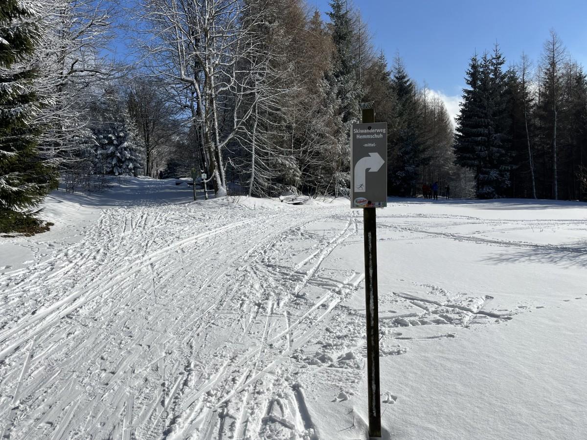Blick auf Rehefeld-Zaunhaus am Skiwanderweg Hemmschuh