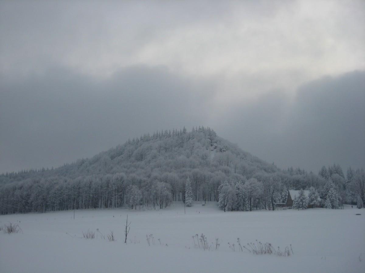 Blick auf den Bärenstein im Winter