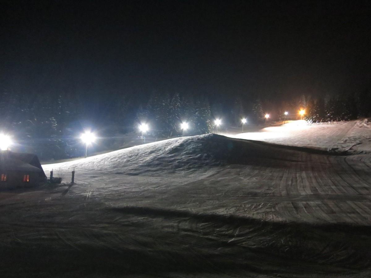 Skihang bei Stützengrün unter Flutlicht