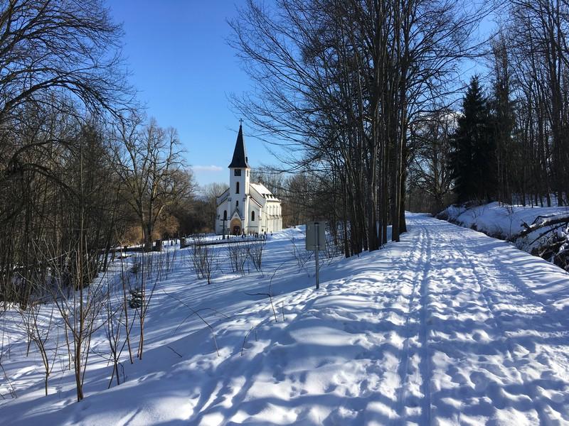 Kirche bei Zvonková unweit des Moldaustausees